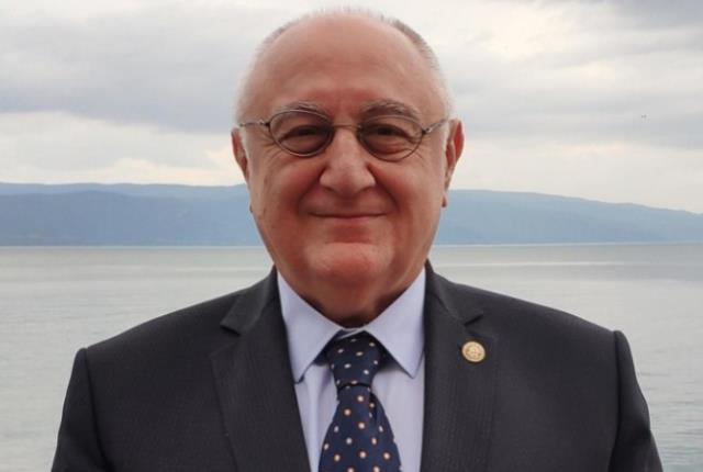Ahmet Erozan kimdir? Ahmet Erozan kaç yaşında, nereli? Ahmet Erozan hayatı ve biyografisi!
