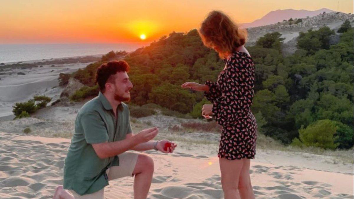 Antalya'da evlilik teklifi eden gencin planlarını tanıdıklar bozdu