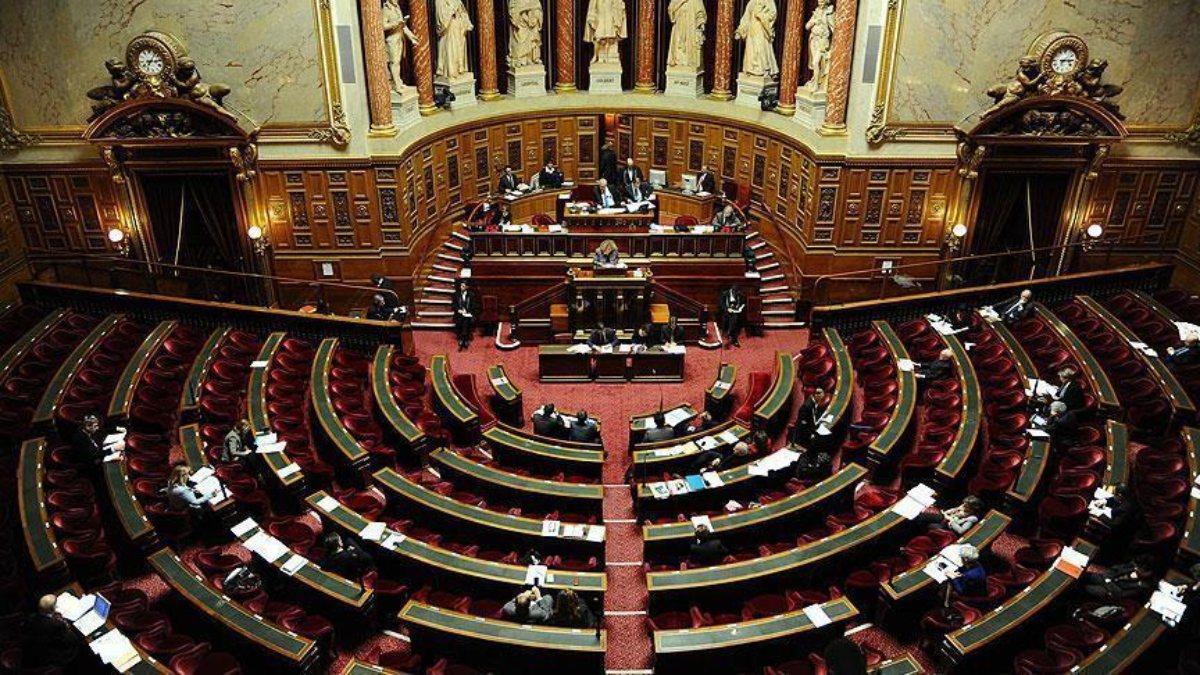 Fransa, yabancı liderlerin el koyduğu varlıklarını ülkelere iade edecek